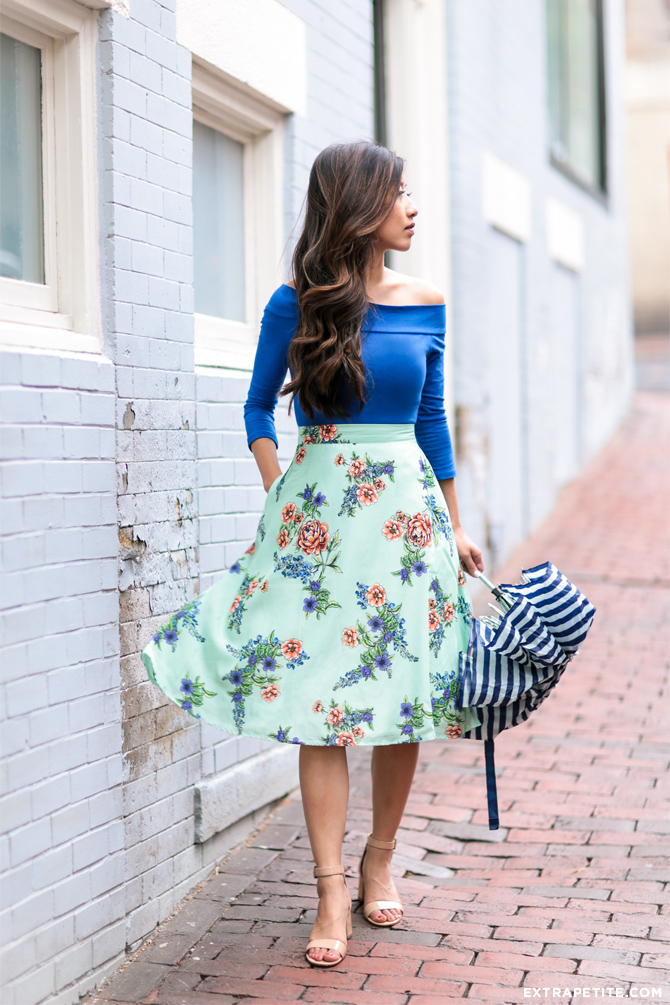 modcloth floral retro flare skirt spring outfit