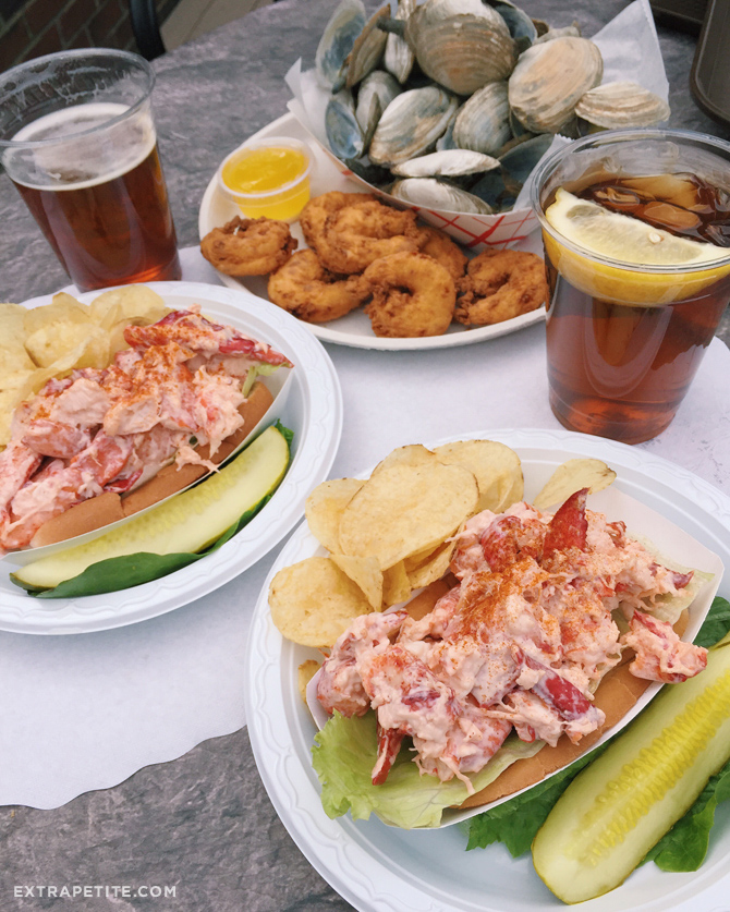 tonys clam shop boston quincy seafood lobster roll