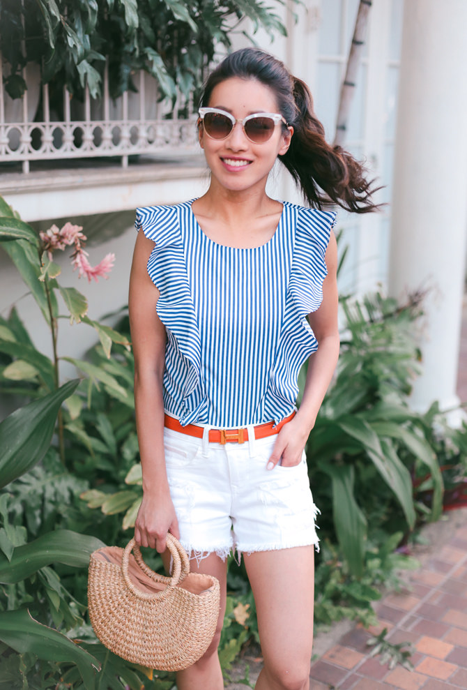 summer blue stripes white denim shorts casual travel outfit